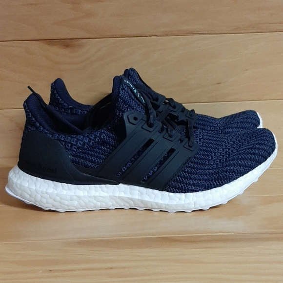 the latest 00521 1a720 Adidas Ultraboost Parley Women Running Shoe AC8205 NWT